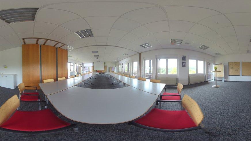 BIZ Naumburg Haus Innenansicht Seminarraum
