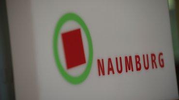 BIZ Naumburg Haus Außenbereich Eingangsbereich Schild Hinweis